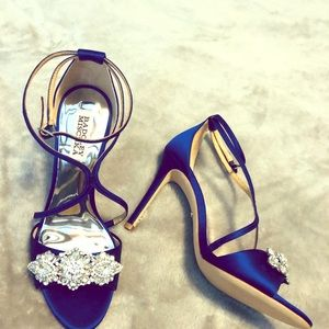 Beautiful, Vanessa crystal embellished sandals!
